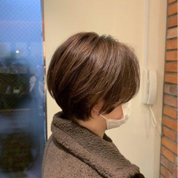 ショートヘアも艶が大切の画像